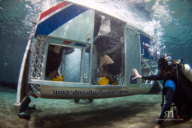 helicopter-underwater-escape-training-in-pool