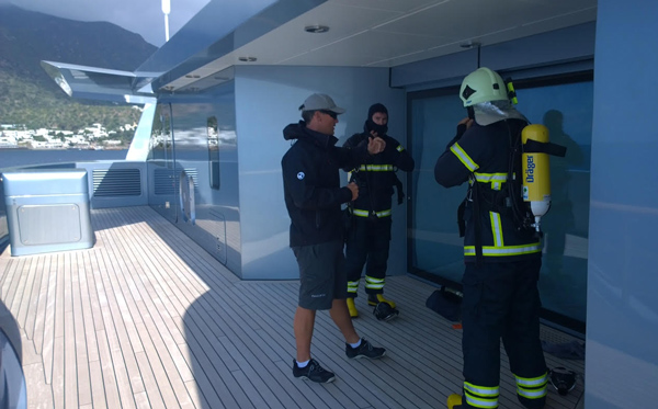 Aviation emergency and fire fighting training for ships crews